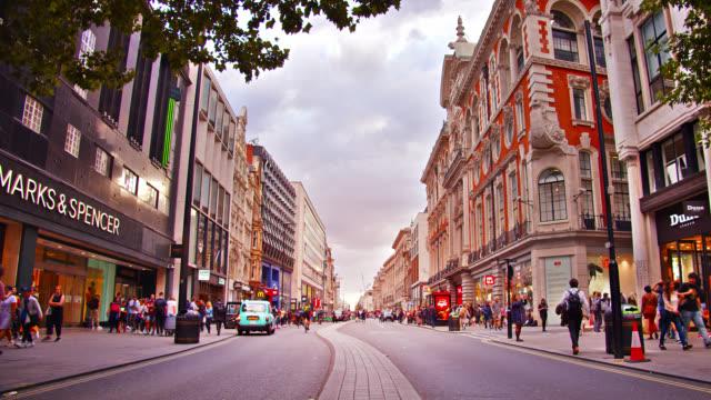 oxford straße. london. einkaufszentrum - oxford street stock-videos und b-roll-filmmaterial