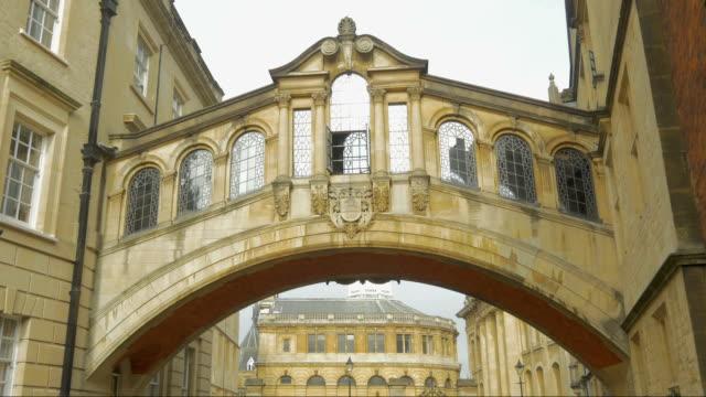 oxford,hertford bridge,pan, - arch bridge stock videos and b-roll footage