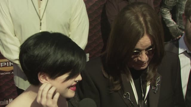 vídeos de stock, filmes e b-roll de ozzy osbourne and kelly osbourne at the spike tv's scream 2008 at los angeles ca - kelly osbourne