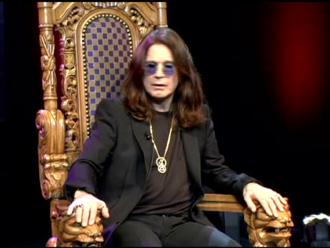 ozzy osbourne at the unveiling of signature series t-shirt with ozzy and sharon osbourne at hard rock cafe in new york, new york on july 28, 2006. - シャロン オズボーン点の映像素材/bロール