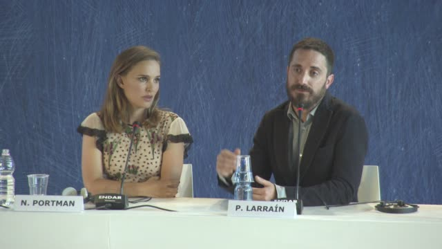 stockvideo's en b-roll-footage met interview pablo larrain on the resemblance between natalie portman and jacqueline kennedy onassis on at 'jackie' press conference press 73rd venice... - jacqueline kennedy