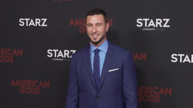 pablo schreiber at the los angeles red carpet and premiere of 'american gods' at ace hotel on march 05, 2019 in los angeles, california. - パブロ シュライバー点の映像素材/bロール
