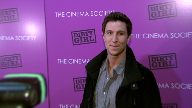 pablo schreiber at the the cinema society & the weinstein company host a screening of 'dirty girl' - arrivals at new york ny. - パブロ シュライバー点の映像素材/bロール