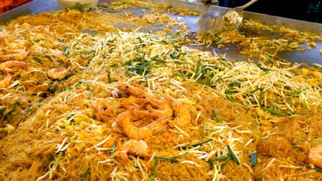 vídeos y material grabado en eventos de stock de cojín de cocina tailandesa. - aperitivo plato de comida