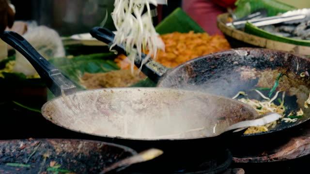 CU : Pad thai