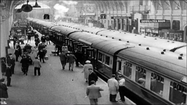 vídeos de stock e filmes b-roll de paddington station - 1950 1959