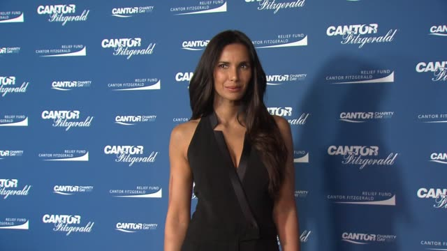 padma lakshmi at annual charity day 2017 hosted by cantor fitzgerald, bgc and gfi on september 11, 2017 in new york city. - パドマ ラクシュミ点の映像素材/bロール