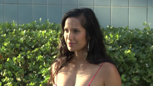 padma lakshmi at the '2012: time for change' new york premiere - arrivals at new york ny. - パドマ ラクシュミ点の映像素材/bロール