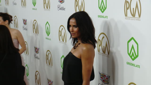 padma lakshmi at the 2019 producers guild awards presented by cadillac at the beverly hilton hotel on january 19, 2019 in beverly hills, california. - パドマ ラクシュミ点の映像素材/bロール