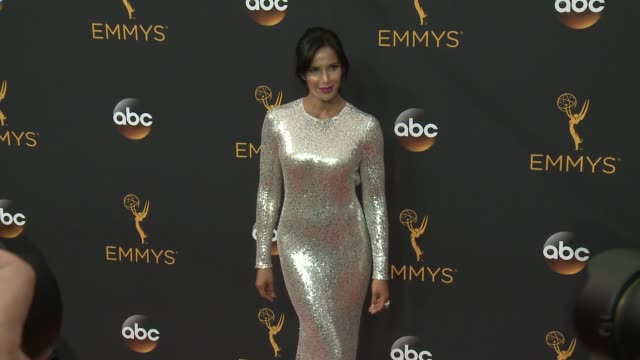padma lakshmi at the 68th annual primetime emmy awards - arrivals at microsoft theater on september 18, 2016 in los angeles, california. - パドマ ラクシュミ点の映像素材/bロール