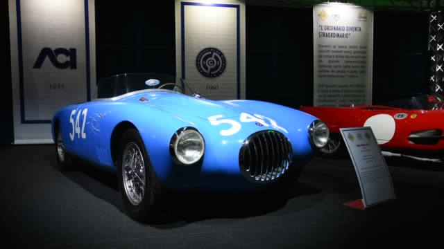 """padua 22nd-25th october 2020 - auto e moto d'epoca in padua is the biggest vintage car and spare parts market in europe. the """"l'ordinario diventa... - größter stock-videos und b-roll-filmmaterial"""