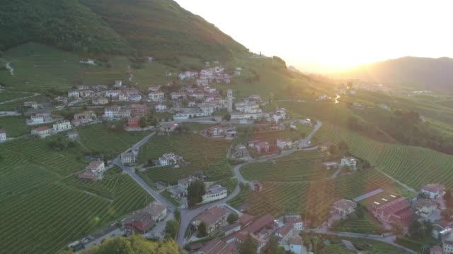 vídeos de stock, filmes e b-roll de paesaggio collinare vinho prosecco - vino