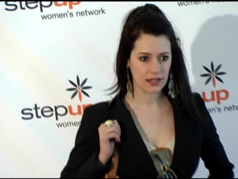 stockvideo's en b-roll-footage met paget brewster at the step up women's network inspiration awards luncheon at the beverly hilton in beverly hills california on april 22 2005 - women's image network awards