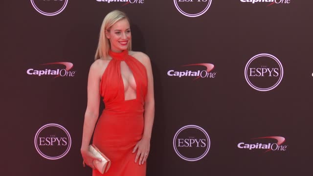 vídeos de stock, filmes e b-roll de paige spiranac at the 2018 espys at microsoft theater on july 18 2018 in los angeles california - espy awards