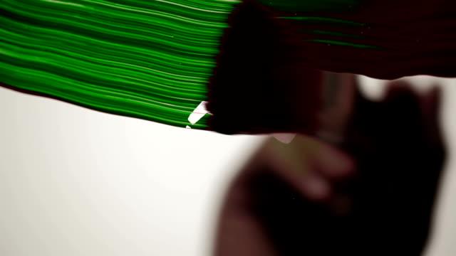 farbe tinte geschäftsmann - fußabdruck stock-videos und b-roll-filmmaterial