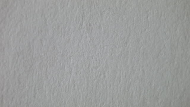 stockvideo's en b-roll-footage met painting blue in a paper 1 - verfkwast