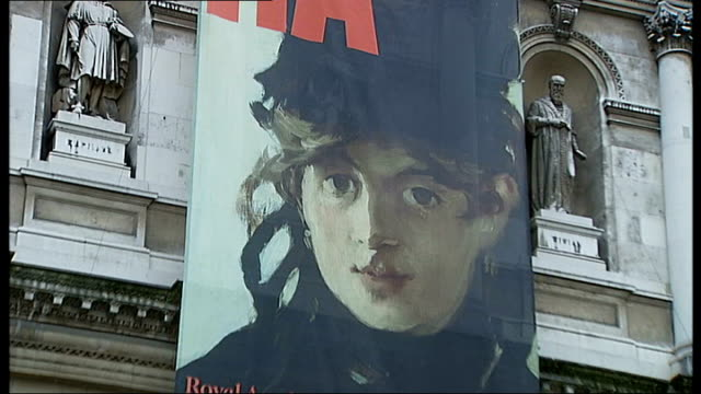 vídeos de stock, filmes e b-roll de manet exhibition at the royal academy ext royal academy of arts building with 'manet portraying a life' poster - royal academy of arts