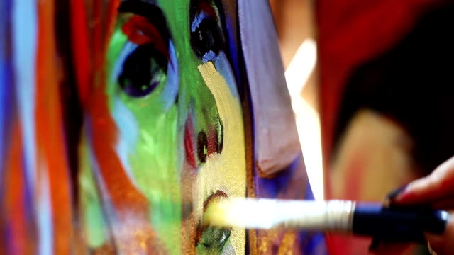 stockvideo's en b-roll-footage met painting - kunstenaar