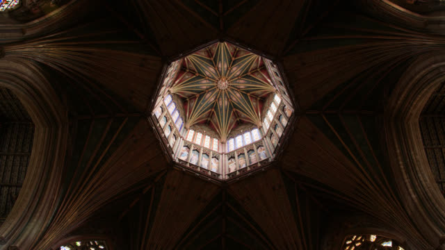 paintings on nave and lantern in ely cathedral - gemälde stock-videos und b-roll-filmmaterial