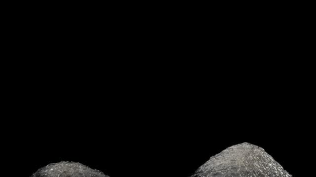 様式化されたミニチュア氷塚のペアが上昇します。 - ヒョウ点の映像素材/bロール