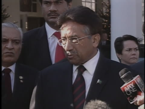 pakistan president pervez musharraf talks to reporters after leaving the white house - united states and (politics or government) stock videos & royalty-free footage
