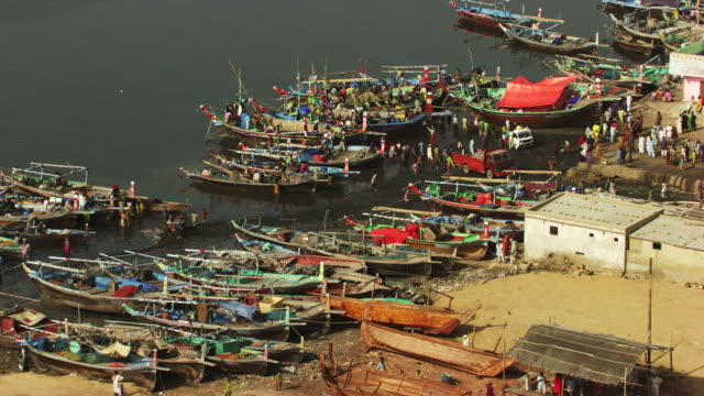 pakistan : small boats in karachi port - karachi stock videos and b-roll footage