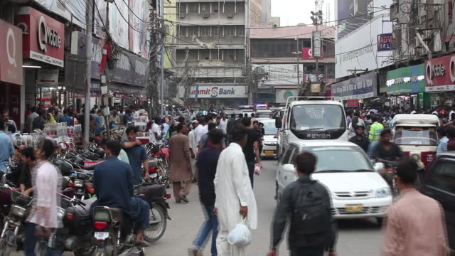 pakistan stock exchange and views of karachi, pakistan, on monday, july 9. 2018. - karachi stock videos & royalty-free footage