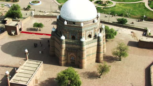 pakistan : tomb of shah rukn-e-alam in multan - punjab pakistan stock videos and b-roll footage