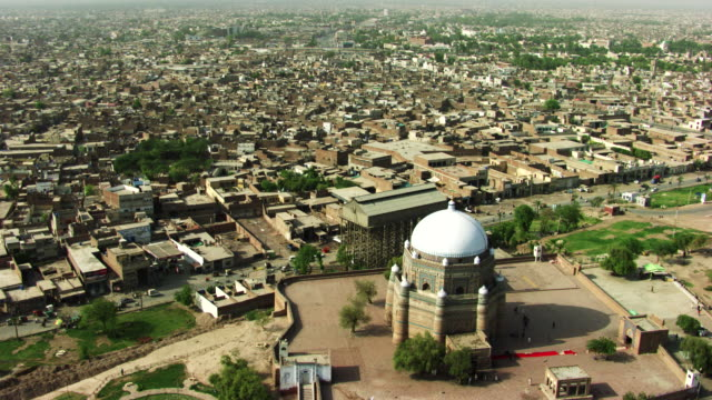 pakistan : tomb of shah rukn-e-alam in multan - multan stock videos and b-roll footage
