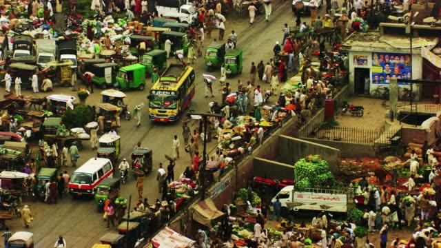 Pakistan : Traffic in urban area