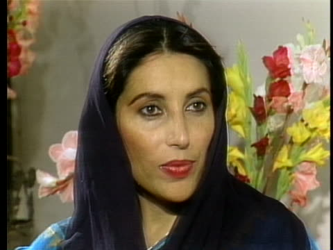 pakistani people's party leader benazir bhutto contends her party won the national election despite deceptive practices used by opposing political... - (war or terrorism or election or government or illness or news event or speech or politics or politician or conflict or military or extreme weather or business or economy) and not usa stock videos & royalty-free footage