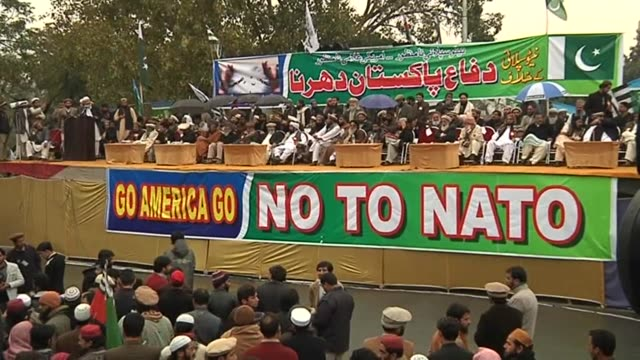pakistanis poured onto islamabad's streets monday chanting death to america and demanding holy war at a rally whipped up by rightwing religious and... - chanting stock videos and b-roll footage