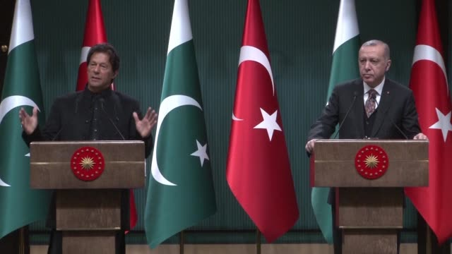 pakistan's prime minister imran khan and turkish president recep erdogan hold a joint press conference after meeting for talks in ankara - recep tayyip erdoğan stock videos & royalty-free footage