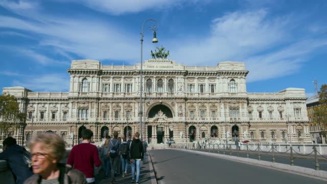 palace of justice, piazza dei tribunali, rome, italy - furgone video stock e b–roll