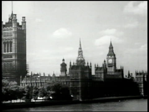 palace of westminster thames river parliament ws english people on crowded street vs groups of men on street talking smoking congregating ws busy... - 1947 stock videos & royalty-free footage