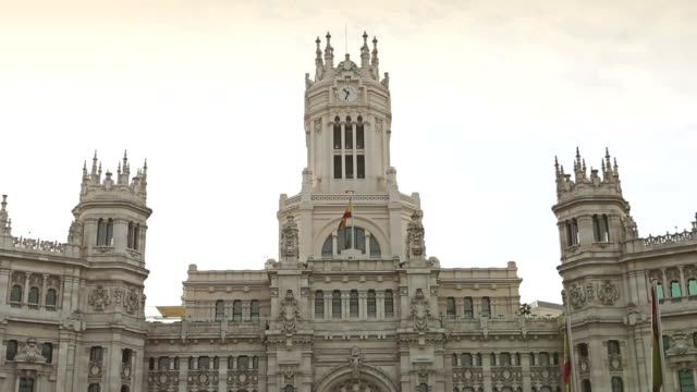 palacio de comunicaciones at plaza cibeles, madrid, spain - town hall stock videos & royalty-free footage