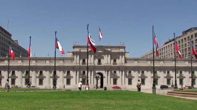 palacio de la moneda-santiago, chile - palace stock-videos und b-roll-filmmaterial