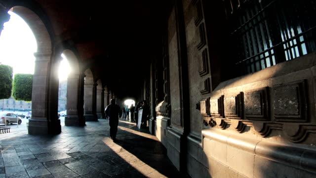 vidéos et rushes de palacio nacional à la place du zocalo, mexico city - aztèque