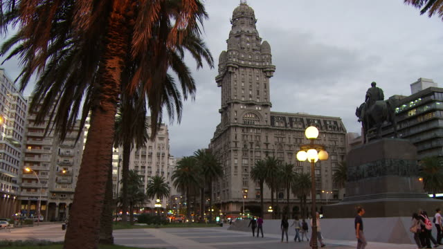a palacio salvo, uruguay - montevideo stock-videos und b-roll-filmmaterial