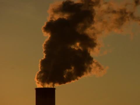stockvideo's en b-roll-footage met pal:air pollution - mens gemaakte bouwwerken