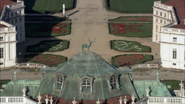 palazzina di caccia di stupinigi-vista aerea-piedmont, torino, nichelino, italia - piemonte video stock e b–roll