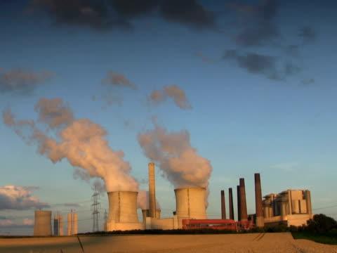 pal:big power plant - carbon monoxide stock videos & royalty-free footage