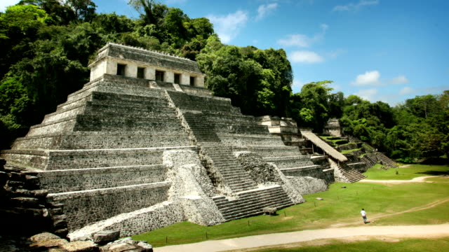 palenque maya pyramide, mexiko - palenque stock-videos und b-roll-filmmaterial