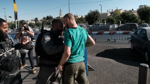 ISR: Israeli Nationalists March In East Jerusalem