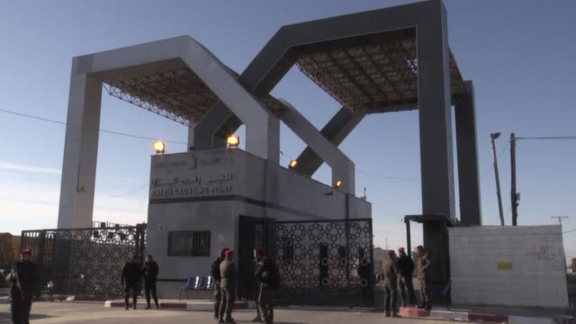 palestinian security forces stand guard at rafah crossing point on january 07 2019 in the southern gaza strip the hamasrun interior ministry on... - パレスチナ文化点の映像素材/bロール
