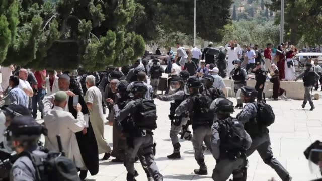palestinian worshippers clash with israeli police at a highly sensitive jerusalem holy site as an israeli holiday coincided with the final days of... - worshipper stock videos and b-roll footage