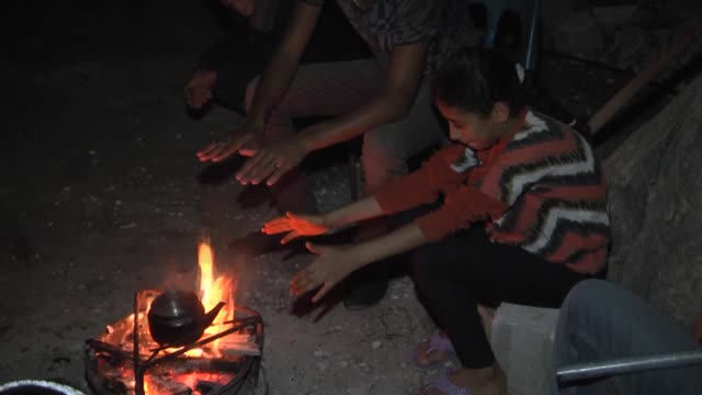 stockvideo's en b-roll-footage met palestinians keep living in wreckages of their homes which damaged during the attacks of israel last summer in gaza city gaza on 27 october 2014... - israëlisch palestijns conflict