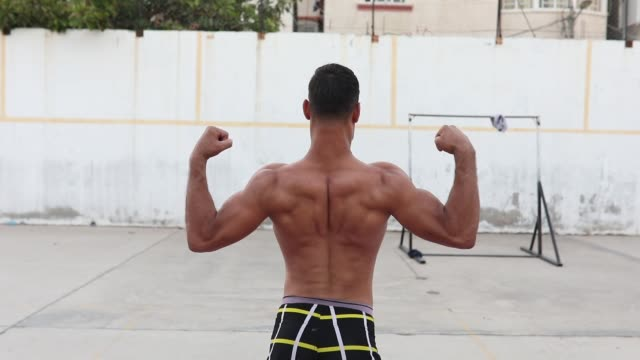 palestinians people practice bodybuilding in a sports club in gaza palestine on august 21 2019 - body building stock videos & royalty-free footage