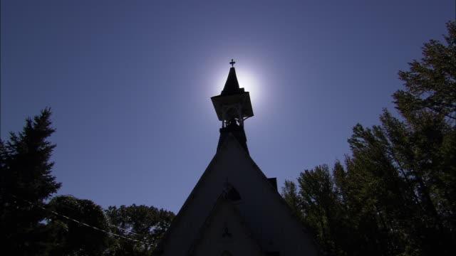 palisades presbyterian church - プロテスタント点の映像素材/bロール