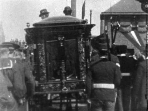 pallbearers following hearse at president mckinley's funeral / newsreel - newsreel stock videos & royalty-free footage